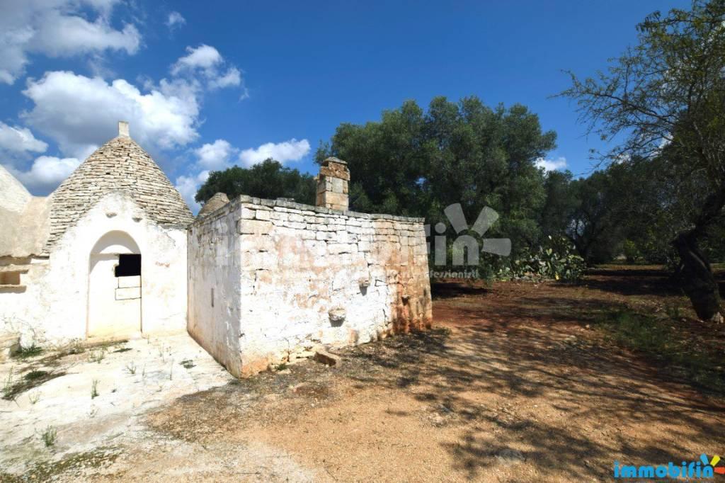 Rustico / Casale da ristrutturare in vendita Rif. 8638681