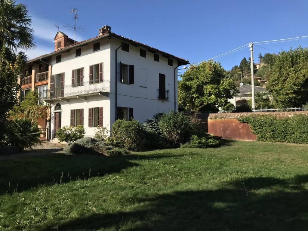 Villa in buone condizioni parzialmente arredato in vendita Rif. 8642664