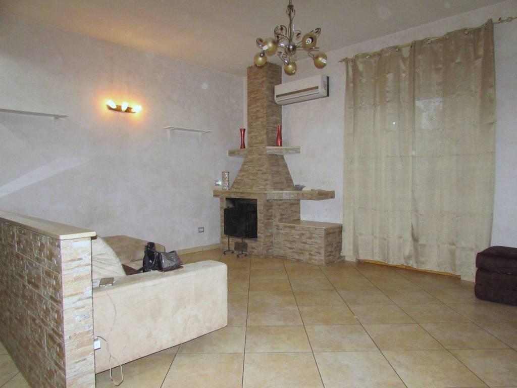 Appartamento in ottime condizioni in vendita Rif. 8649664