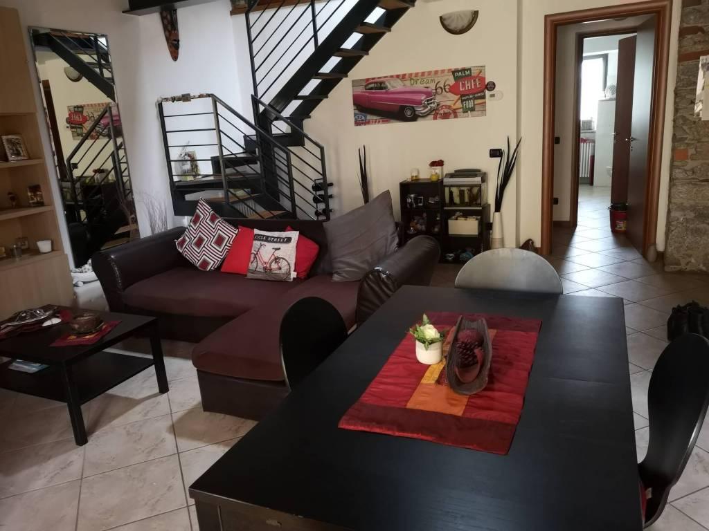 Appartamento in buone condizioni arredato in affitto Rif. 8638618