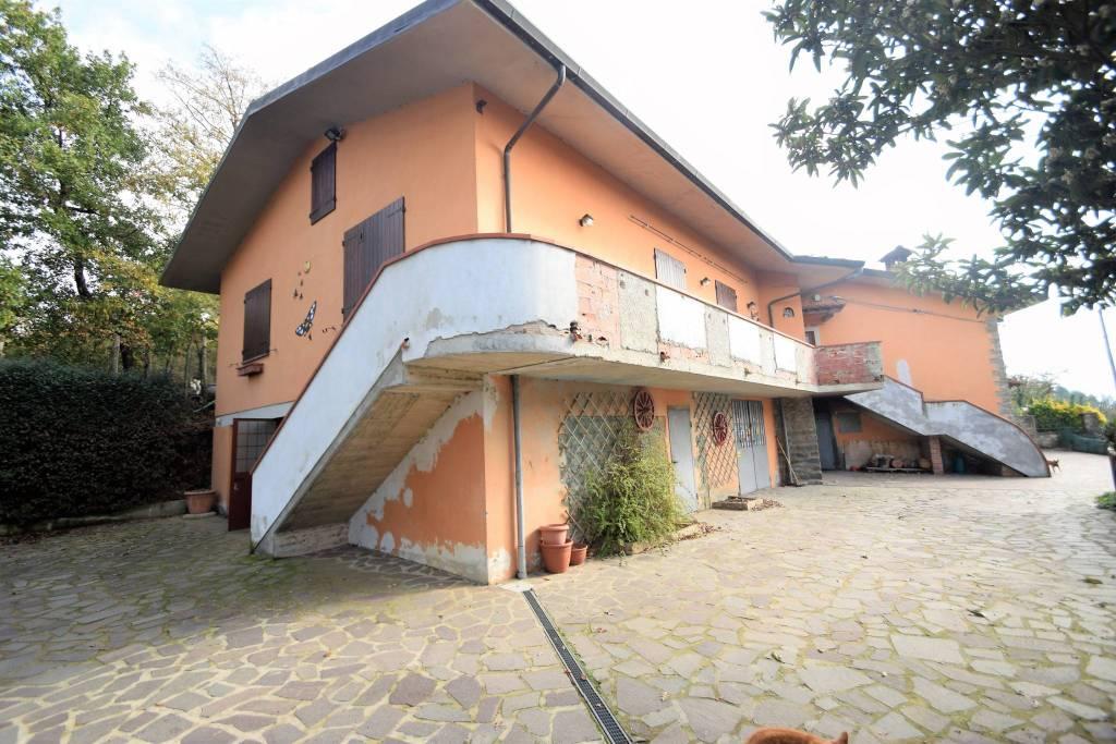 Casa Indipendente in buone condizioni in vendita Rif. 8650253
