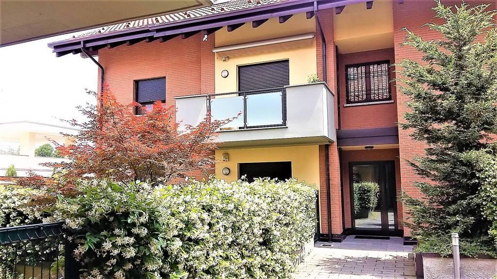 Appartamento in ottime condizioni in vendita Rif. 8638623