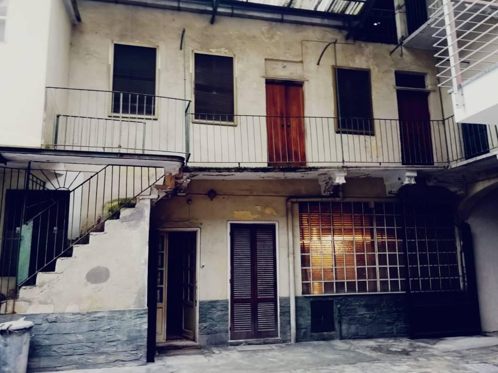 Appartamento da ristrutturare in vendita Rif. 8639422