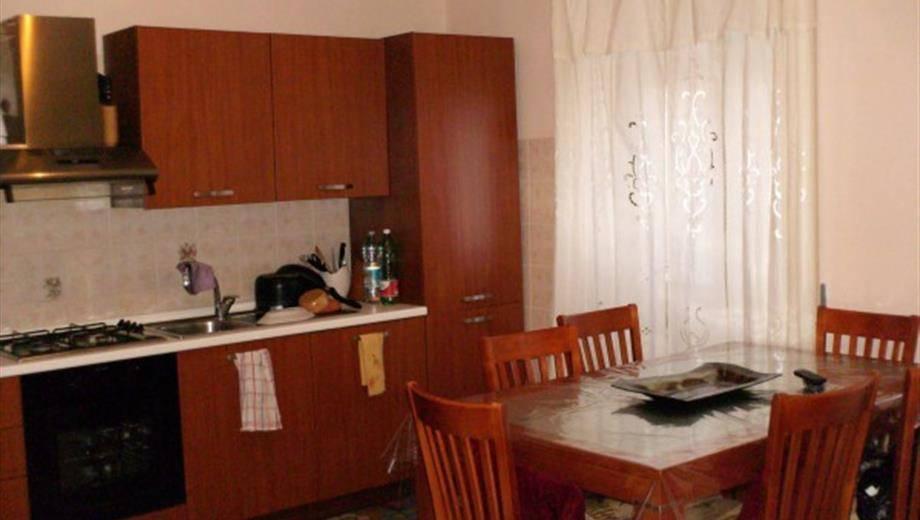 Appartamento in ottime condizioni arredato in vendita Rif. 8641866