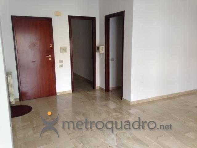 Appartamento in buone condizioni in vendita Rif. 8638663