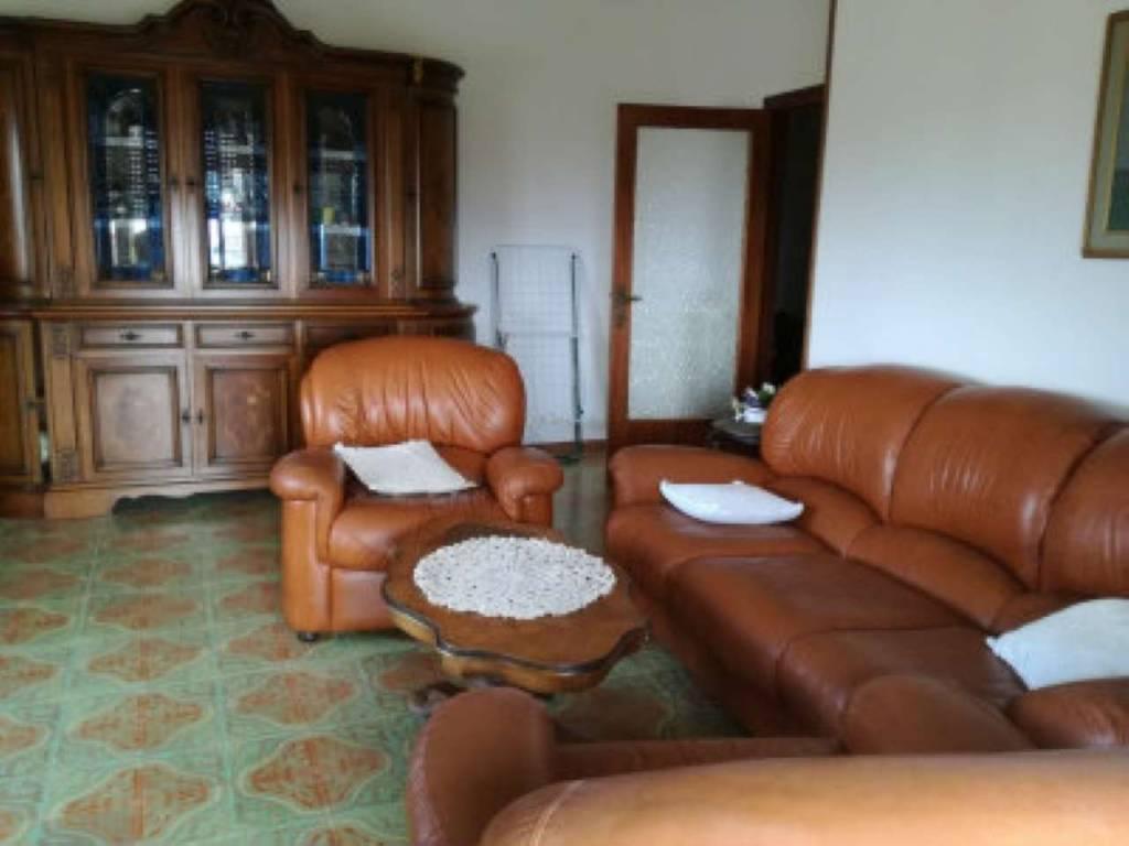 Appartamento in vendita a Roccastrada, 3 locali, prezzo € 80.000 | CambioCasa.it