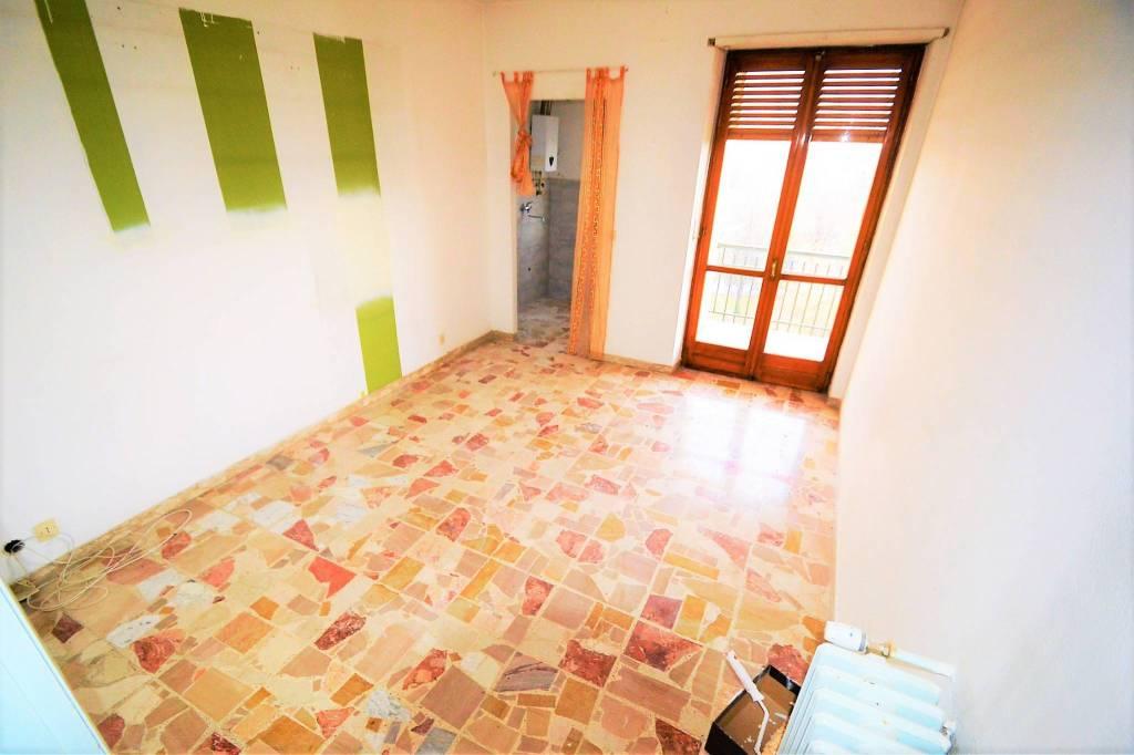 Appartamento in buone condizioni in affitto Rif. 8508326
