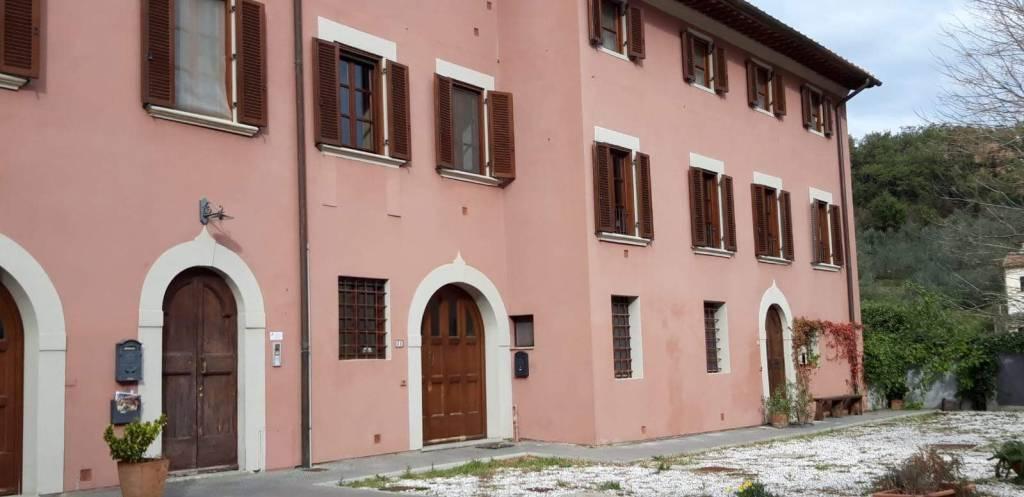 Appartamento in ottime condizioni in vendita Rif. 5291452