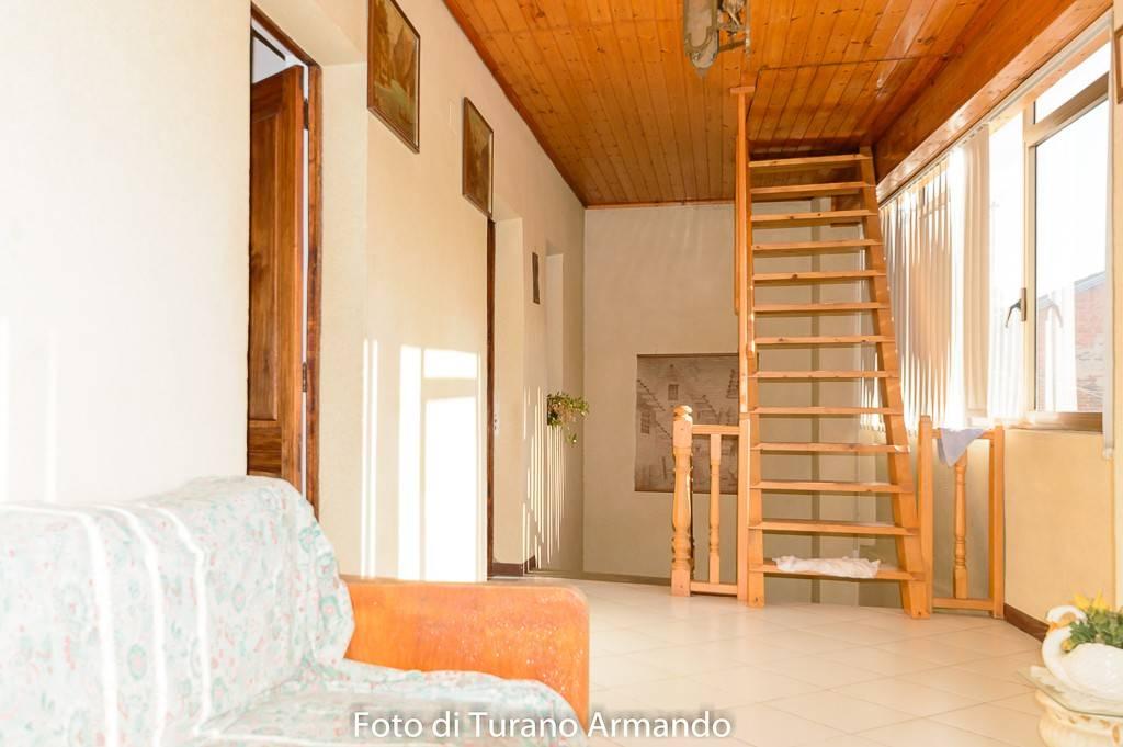 Villetta a schiera in buone condizioni in vendita Rif. 8638996