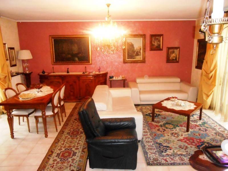 Villa in buone condizioni in vendita Rif. 8639318