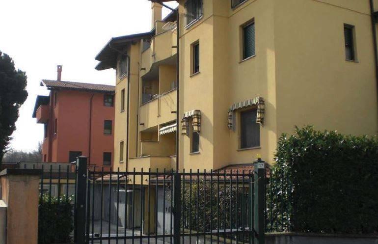 Appartamento in buone condizioni in vendita Rif. 8744526