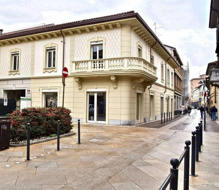 Appartamento in vendita a Seregno, 3 locali, prezzo € 550.000   CambioCasa.it