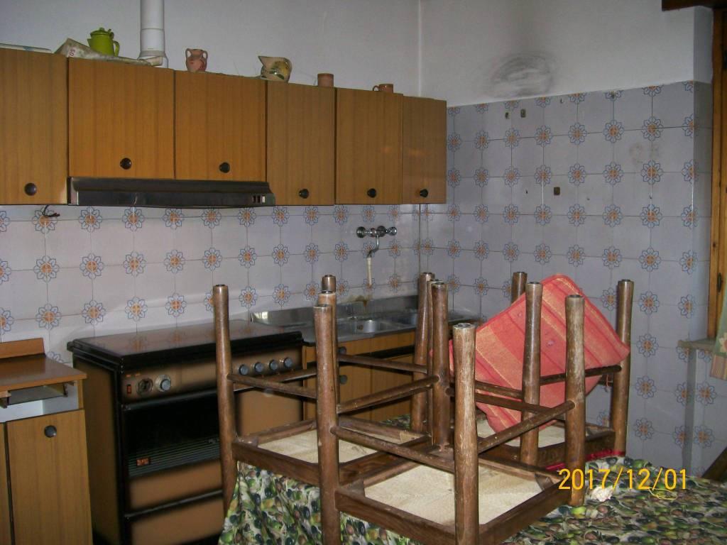 Appartamento in buone condizioni arredato in affitto Rif. 8650461