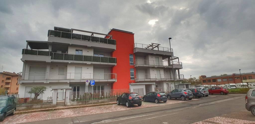 Appartamento in vendita a Cesate, 2 locali, prezzo € 150.000 | CambioCasa.it