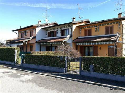 Villetta a schiera arredato in vendita Rif. 8646869
