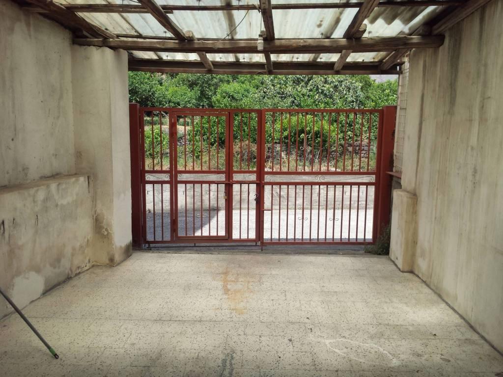 Appartamento in buone condizioni in vendita Rif. 8642278