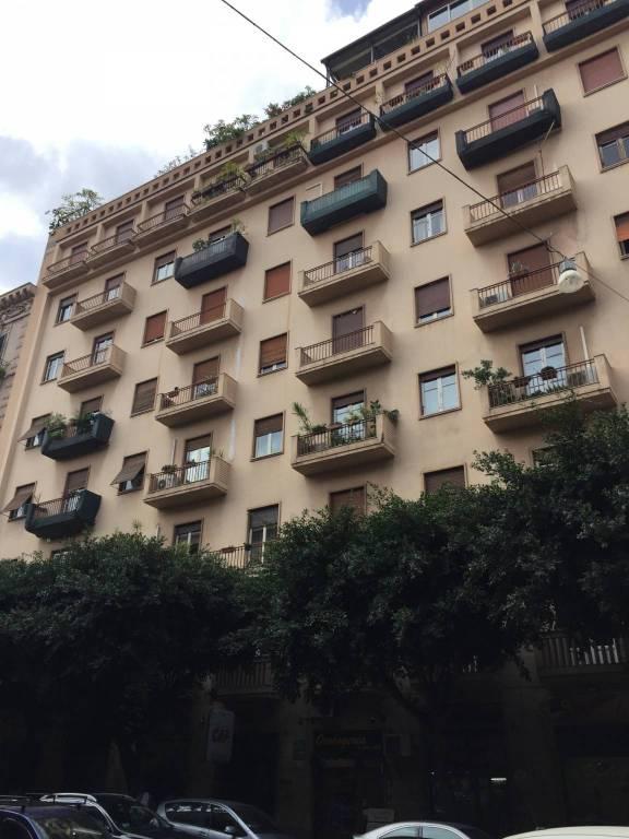 Appartamento in buone condizioni in vendita Rif. 8644969