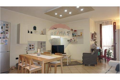 Appartamento in vendita a Calvisano, 4 locali, prezzo € 135.000 | CambioCasa.it