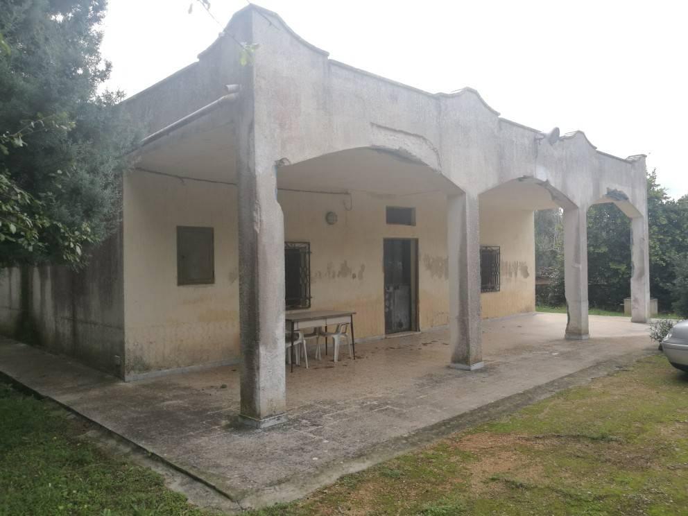 Villa da ristrutturare in vendita Rif. 8638982
