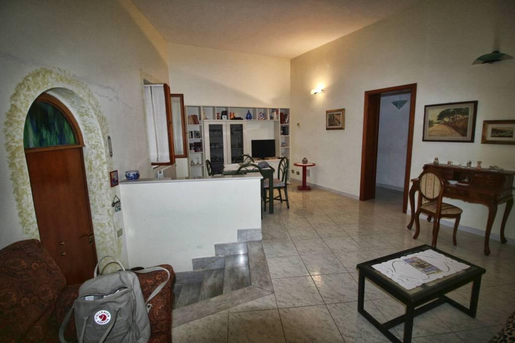 Casa Indipendente in buone condizioni in vendita Rif. 8648074