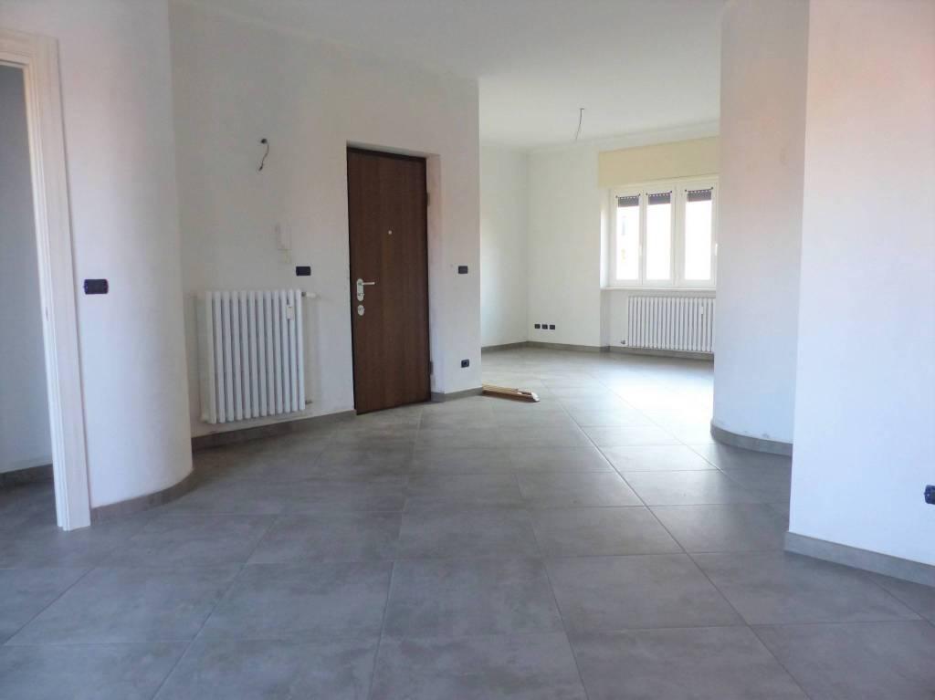 Appartamento in ottime condizioni in affitto Rif. 8647262