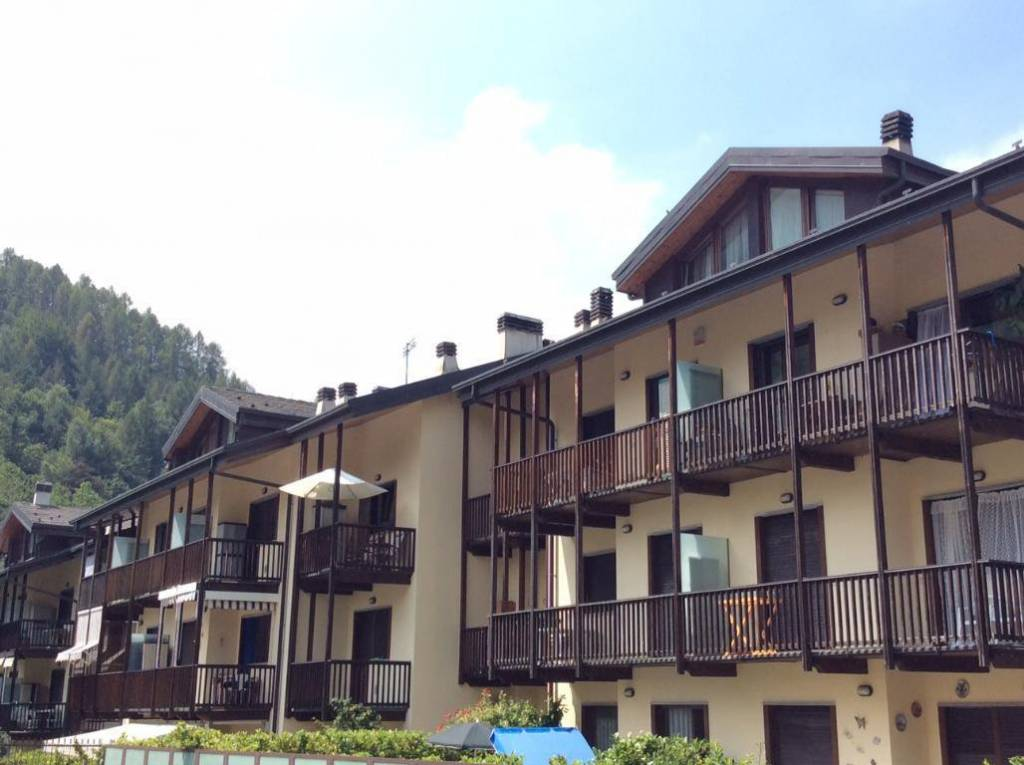 Appartamento in ottime condizioni parzialmente arredato in vendita Rif. 9150568