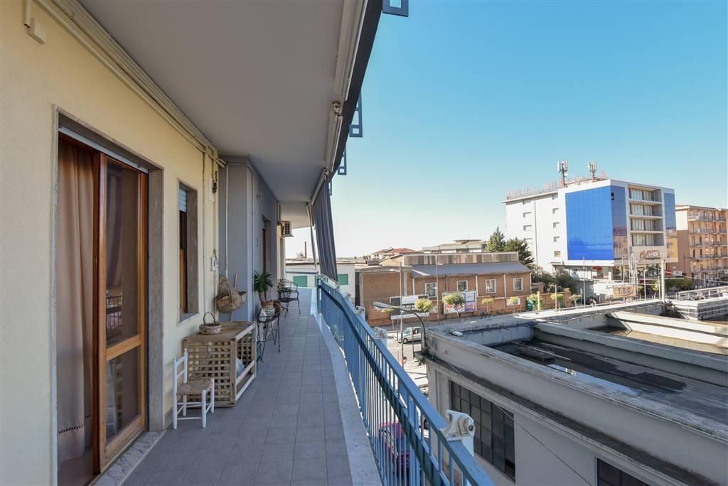 Appartamento in buone condizioni in vendita Rif. 8664934