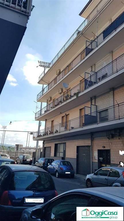 Appartamento in buone condizioni in affitto Rif. 8662617
