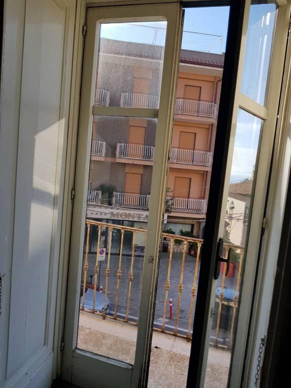 Appartamento da ristrutturare in vendita Rif. 8659516