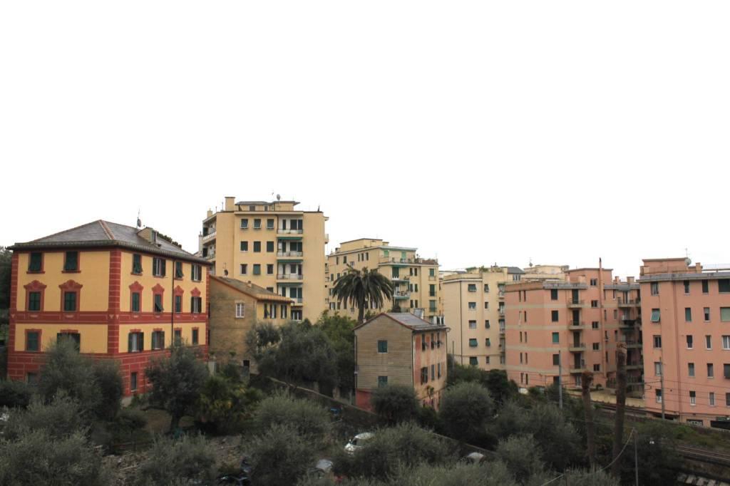 Foto 1 di Trilocale via Lorenzo Ghiglini, Genova (zona Quinto-Nervi)
