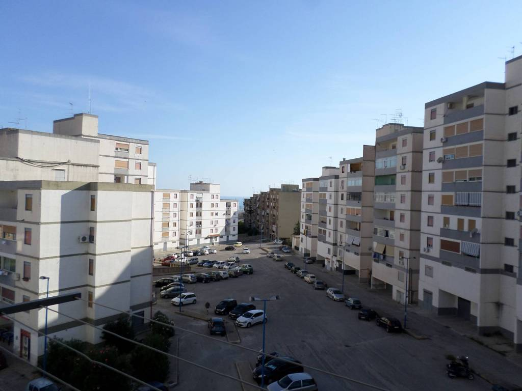 Appartamento in buone condizioni in vendita Rif. 8661052