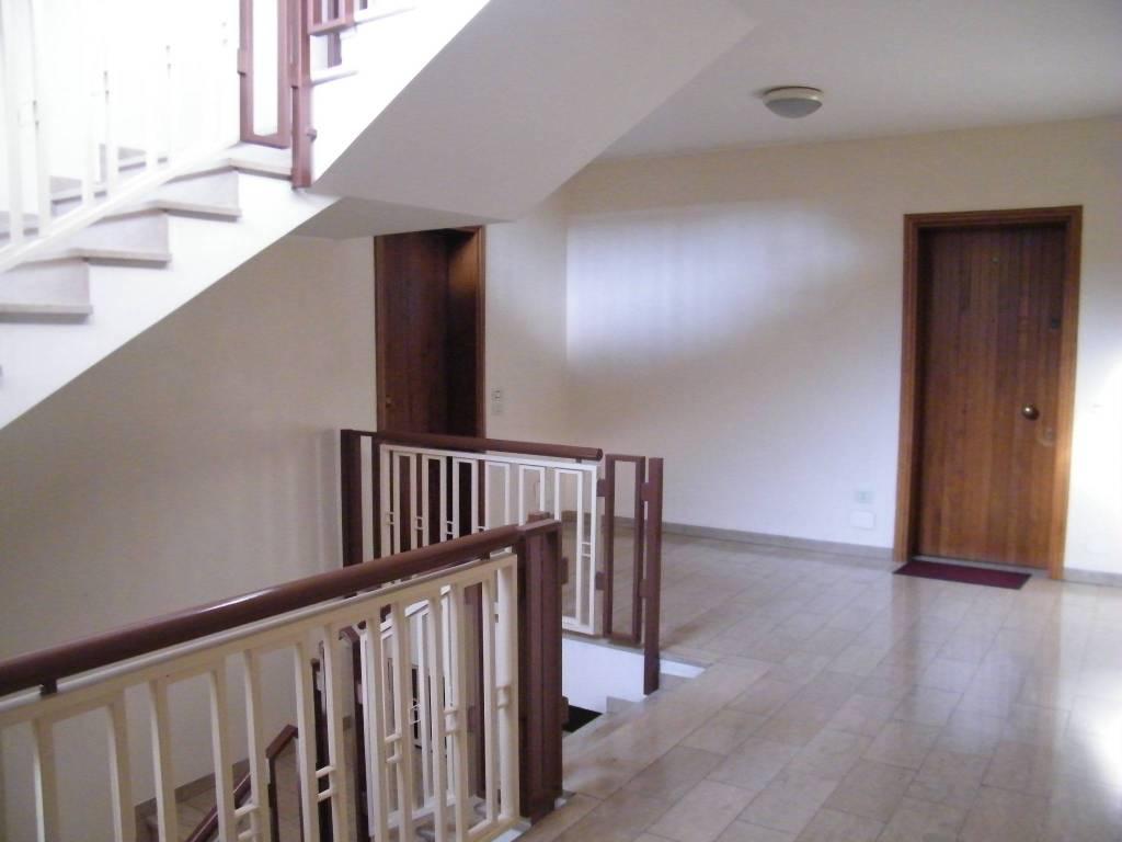 Appartamento in buone condizioni in vendita Rif. 8659634