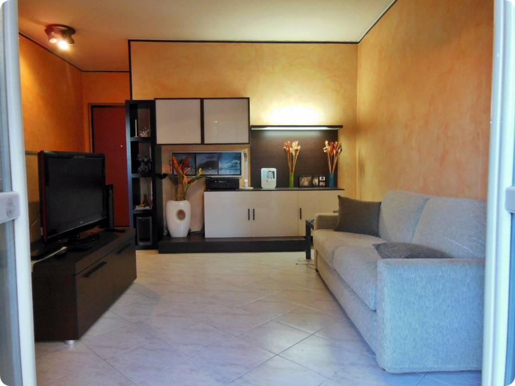 Appartamento in ottime condizioni arredato in affitto Rif. 8661148