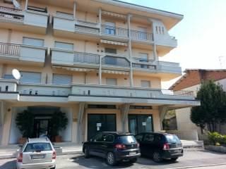 Appartamento in ottime condizioni in vendita Rif. 8664237