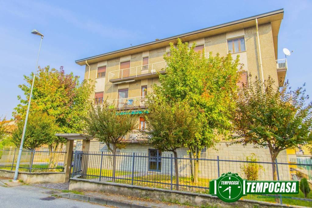 Appartamento in buone condizioni in vendita Rif. 8659397