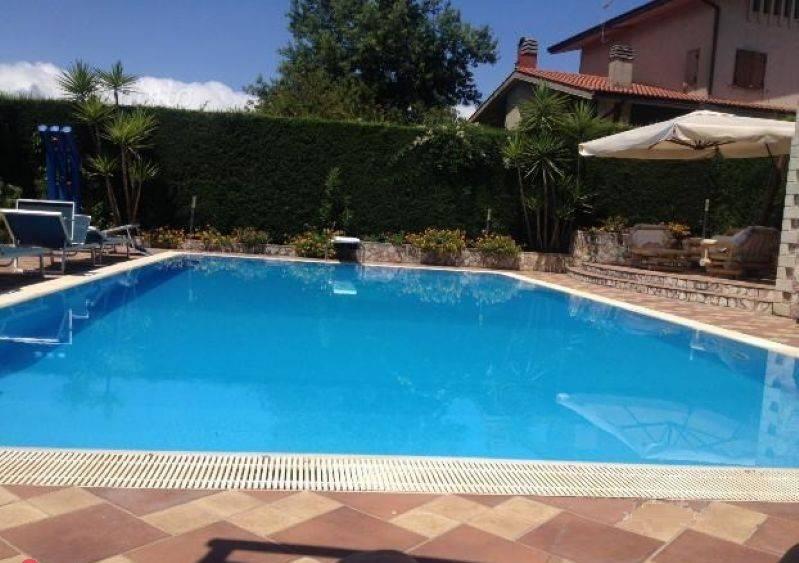 Villa in buone condizioni in vendita Rif. 8662727