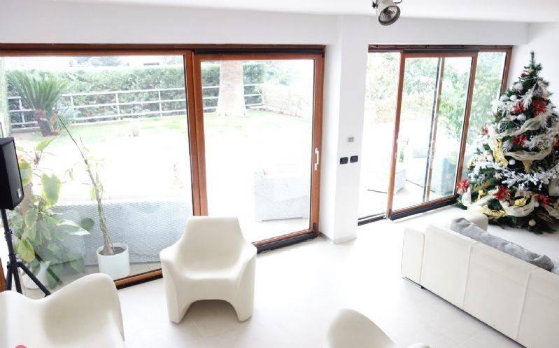 Villa in buone condizioni in vendita Rif. 8662731