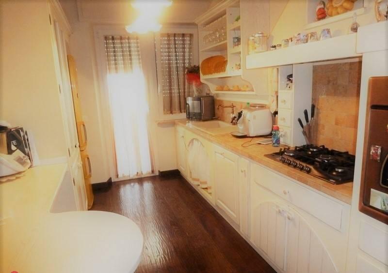 Appartamento in ottime condizioni in vendita Rif. 8689951