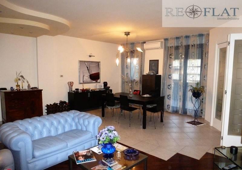 Appartamento in buone condizioni arredato in vendita Rif. 8660794