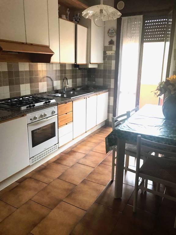 Appartamento in buone condizioni in vendita Rif. 8661534
