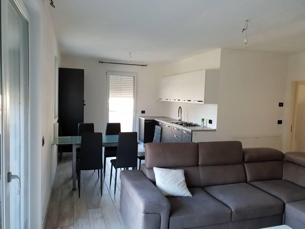 Appartamento arredato in vendita Rif. 8659382