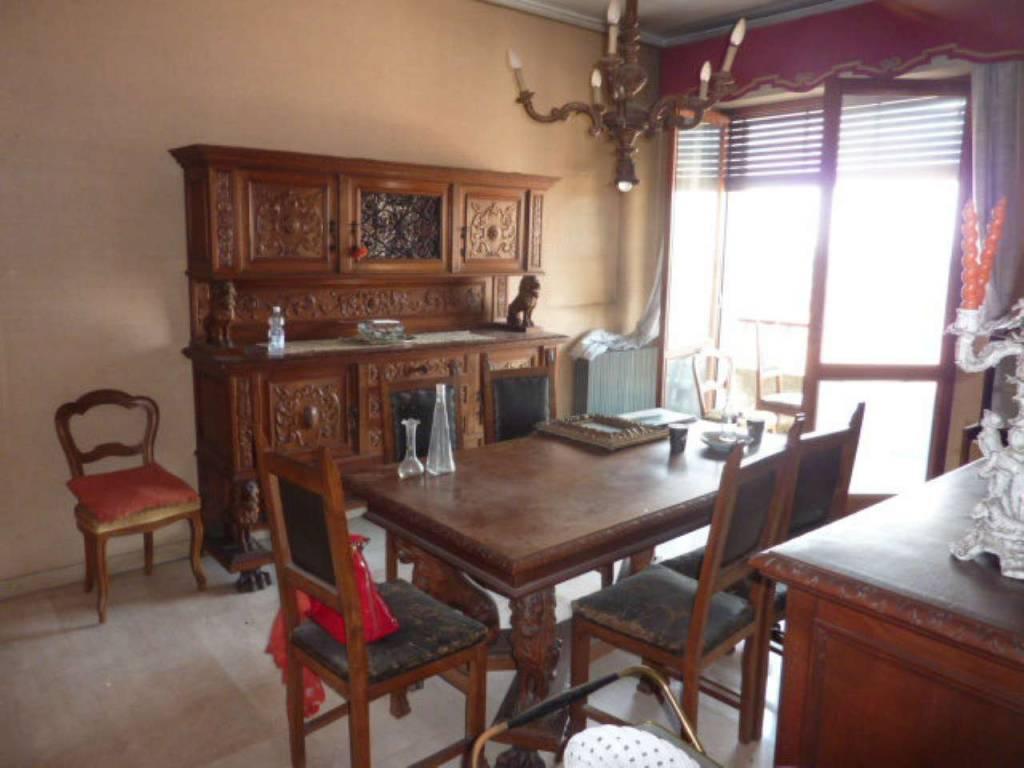 Appartamento in vendita a Mortara, 7 locali, prezzo € 70.000 | CambioCasa.it