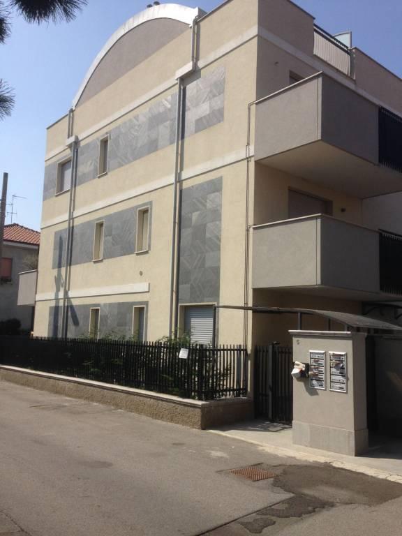 Appartamento parzialmente arredato in vendita Rif. 8661695