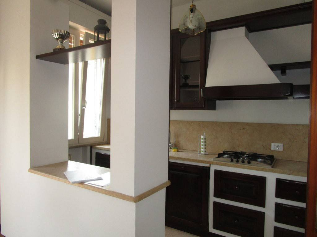 Appartamento in ottime condizioni parzialmente arredato in affitto Rif. 8665753