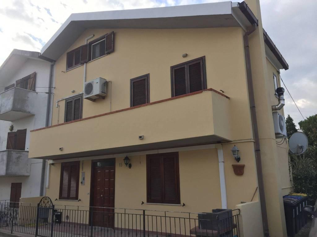 Casa Indipendente in buone condizioni in vendita Rif. 8660838