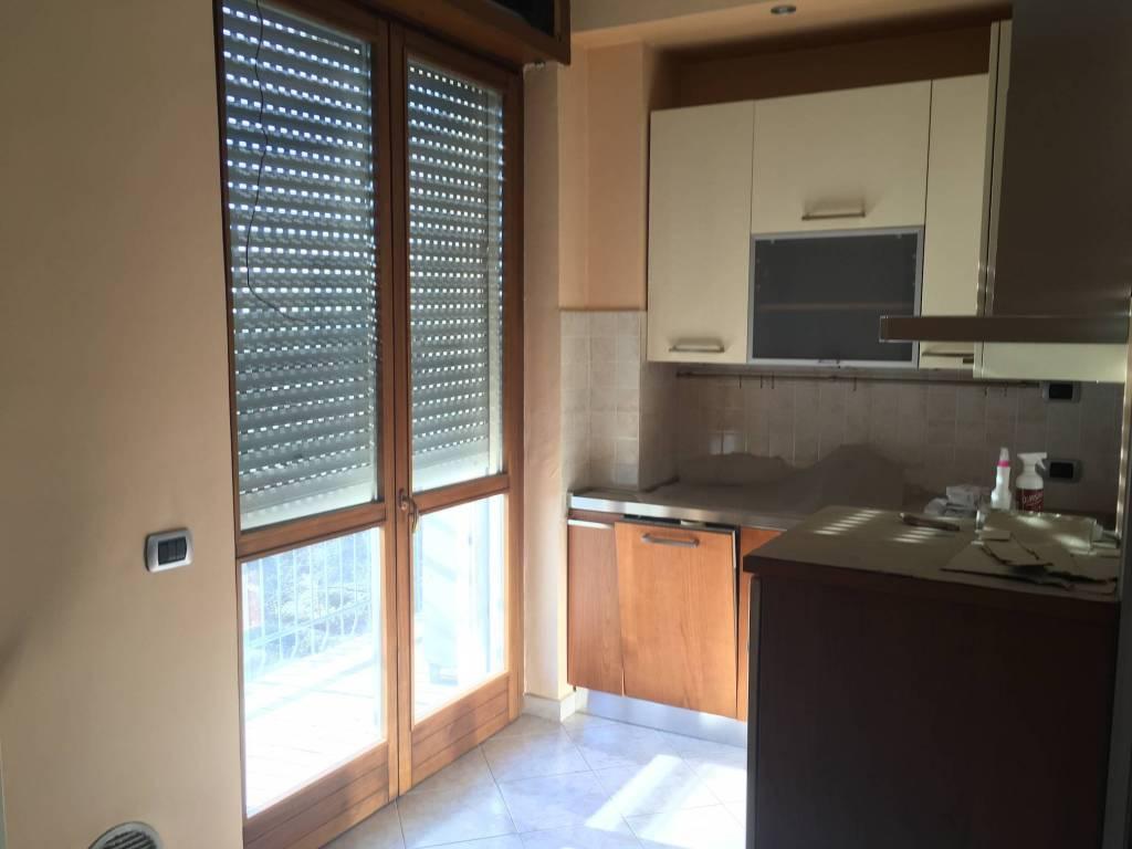 Appartamento in ottime condizioni parzialmente arredato in vendita Rif. 8661442