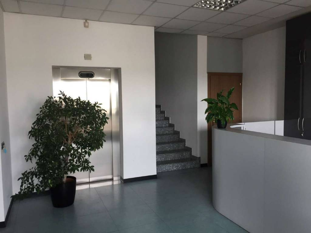 Ufficio / Studio in affitto a Basiano, 1 locali, prezzo € 2.500   CambioCasa.it