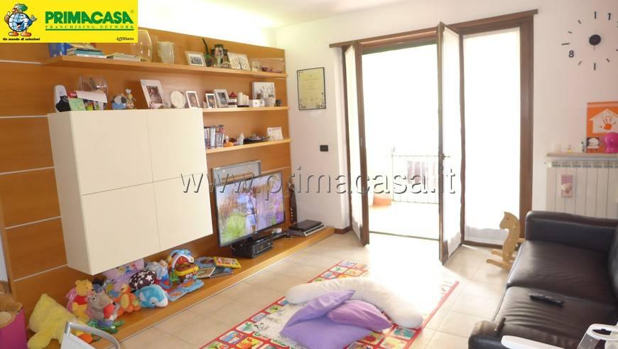 Appartamento in buone condizioni arredato in vendita Rif. 8662091