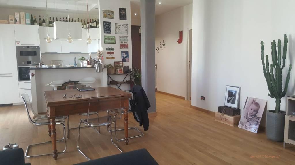 Appartamento in ottime condizioni arredato in vendita Rif. 8323930