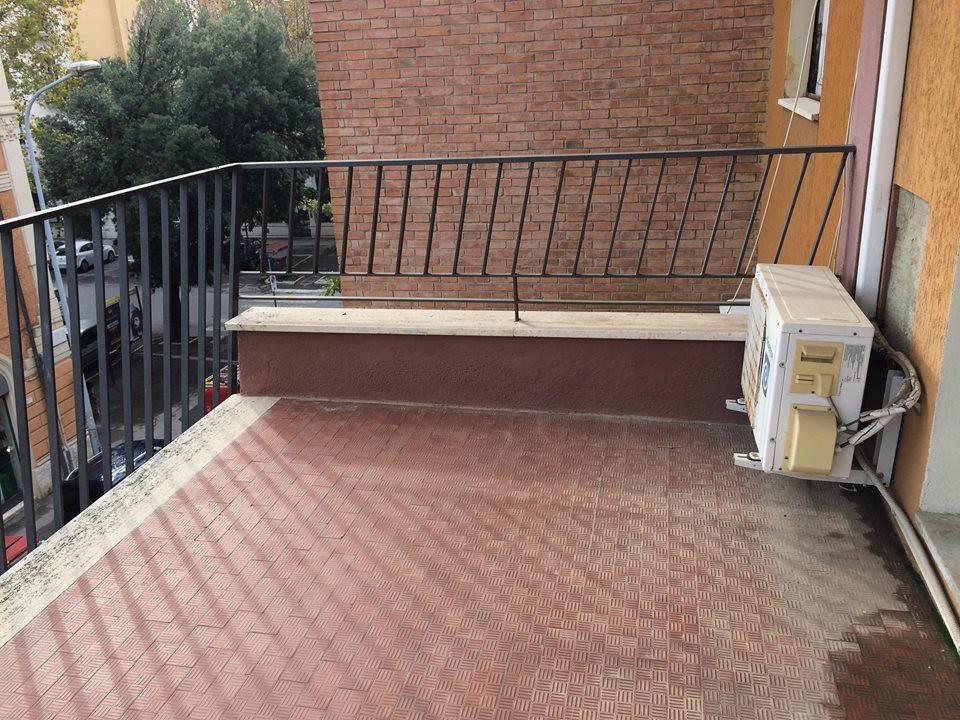 Appartamento in buone condizioni in affitto Rif. 8659636